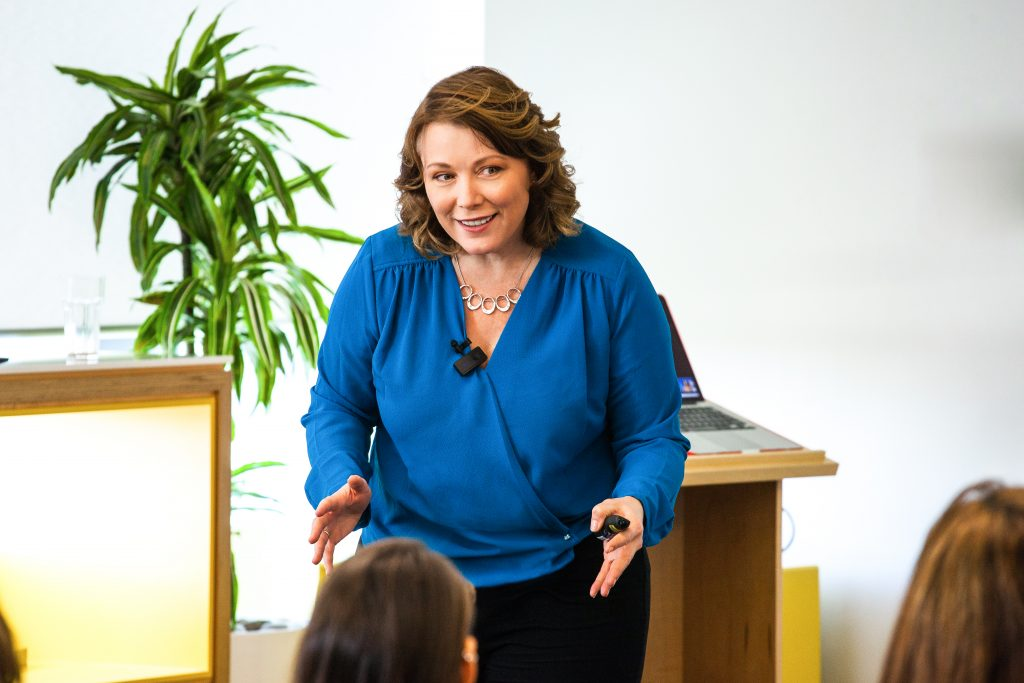 Innovation Speaker | Speaking Programs | Julie Holmes